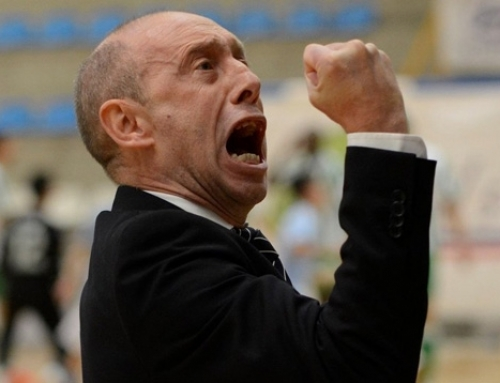 Santi Valladares no continuará al frente de Santiago Futsal
